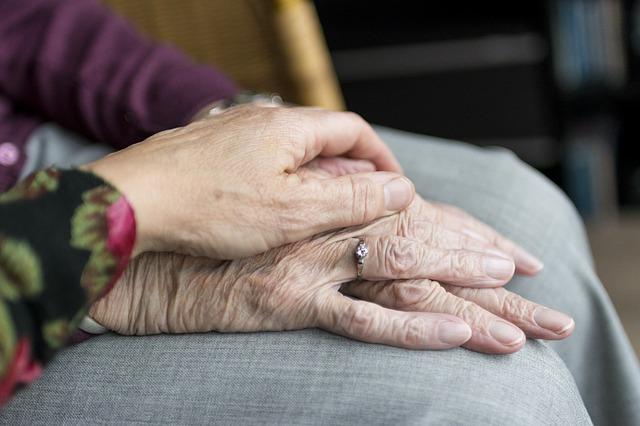 ruka na rukou.jpg